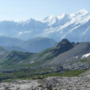 Désert de Platé et massif du Mont-Blanc