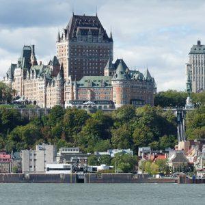 """Québec, le Château Frontenac et la """"Basse-Ville""""."""