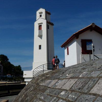 St-Jean-de-Luz, le phare d'André Pavlovsky (1936).